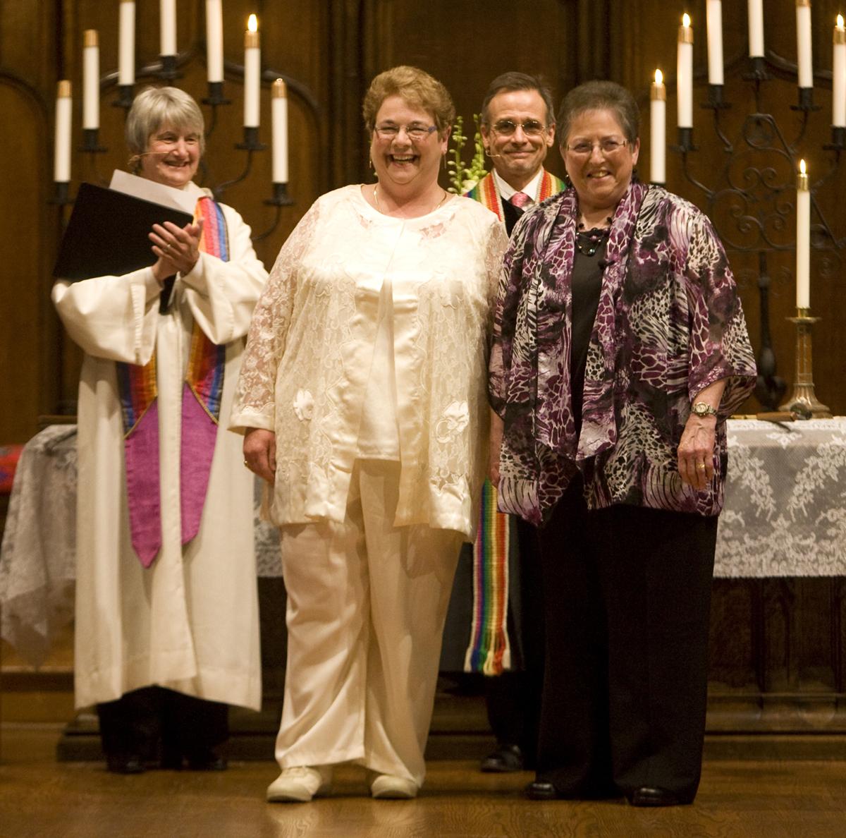 lesbian minister sues united church canada