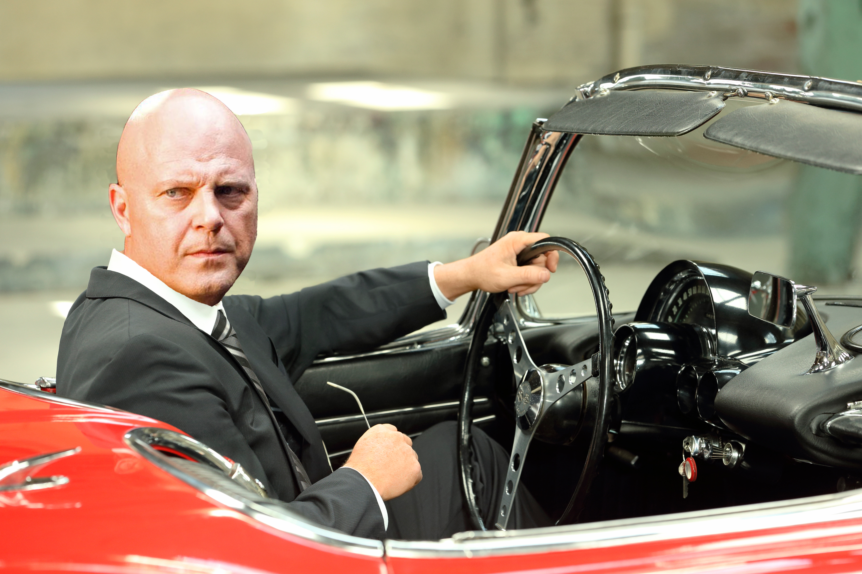 photo of Michael Chiklis  - car