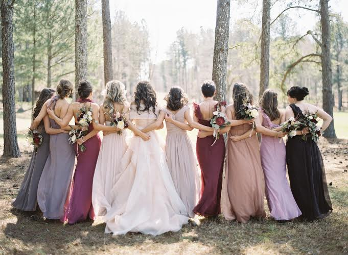 7 bridal parties who totally nailed the 39 mismatched for Fall wedding dress colors